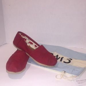Red Toms Canavas with Dust Bag